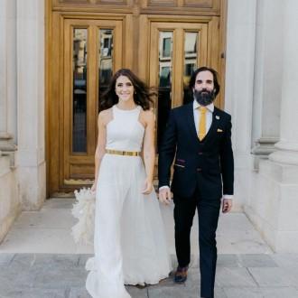 -A- da vida a su vestido de novia en su primer aniversario