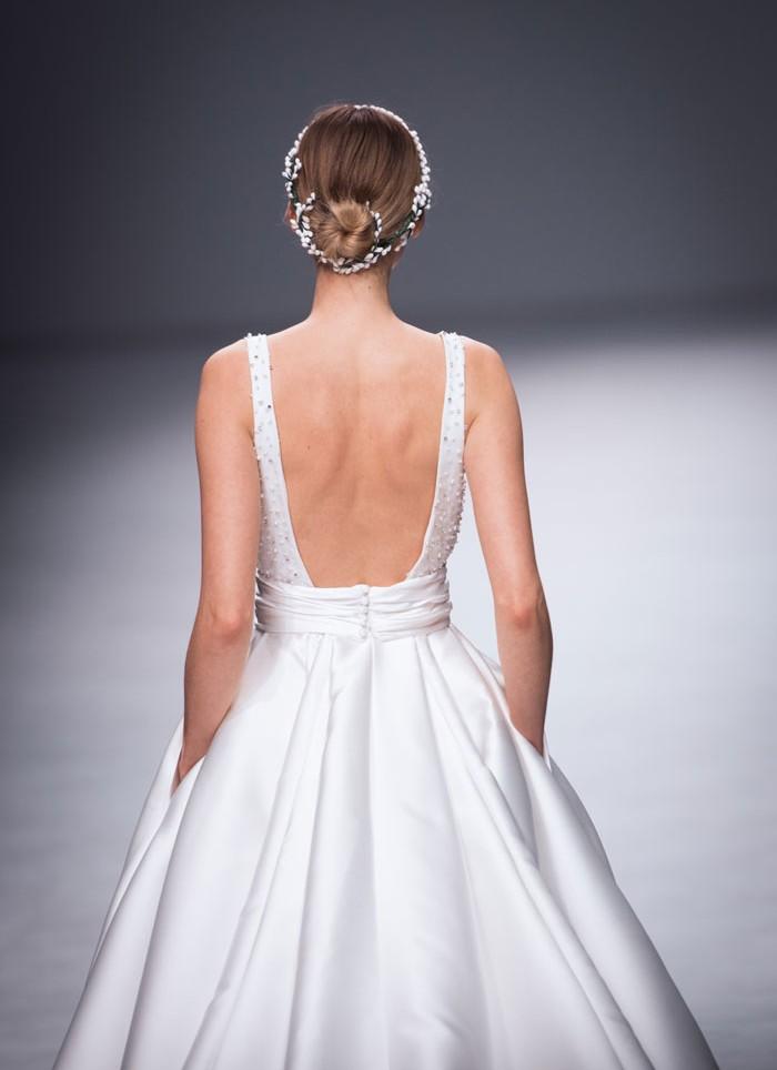Vestido de novia princesa pedrería Cristina Tamborero