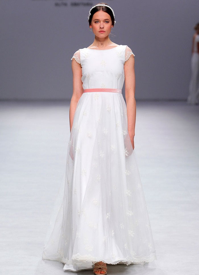 Wedding dress lace Cristina Tamborero