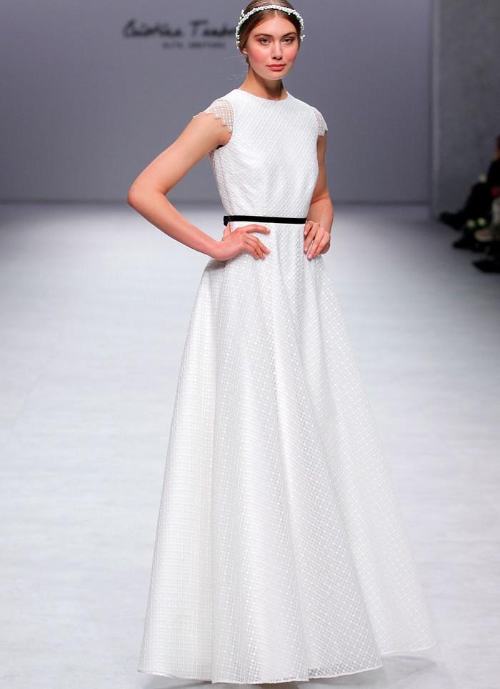 vestido de novia organza de flores Cristina Tamborero